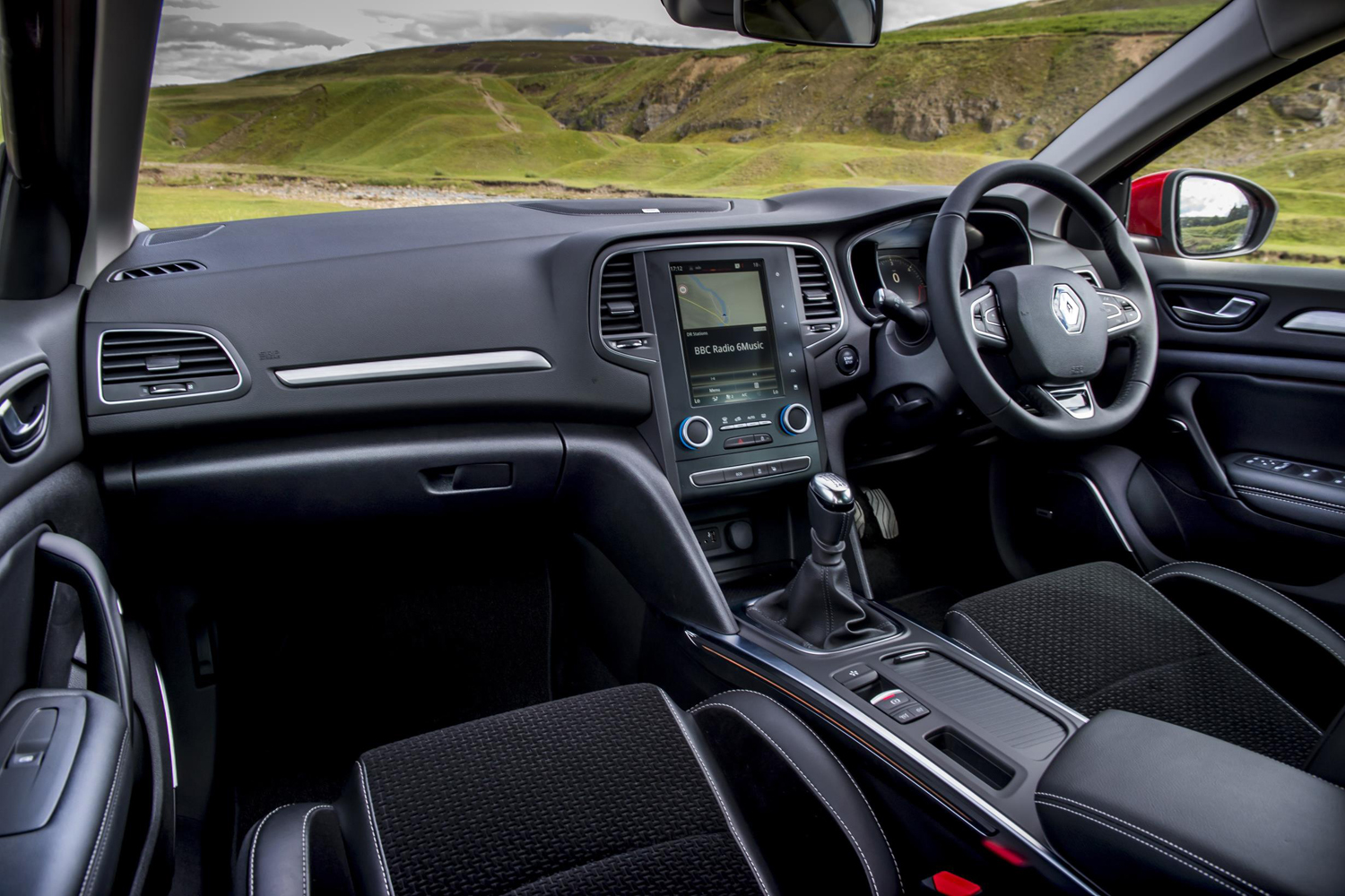 renault megane dynamique s nav dci 110 review. Black Bedroom Furniture Sets. Home Design Ideas
