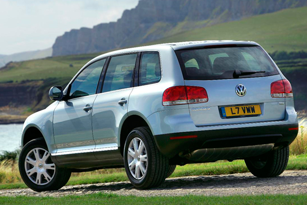 VW Touareg 4.2 TDi Altitude review 2011