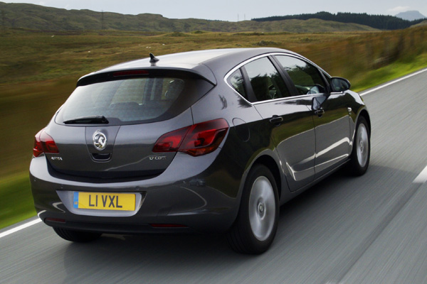 Opel Astra Review 2009