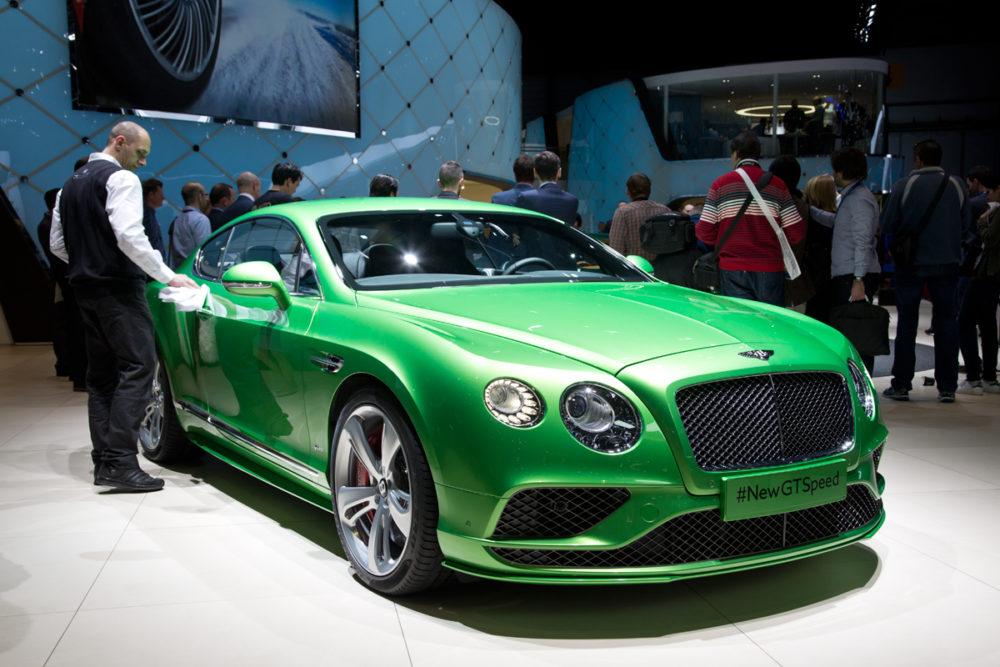Ferraris, McLarens, Bentleys Still Thrive In Geneva Motor Show 2015
