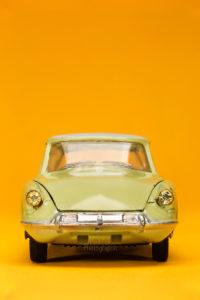 Citroen-DS-yellow
