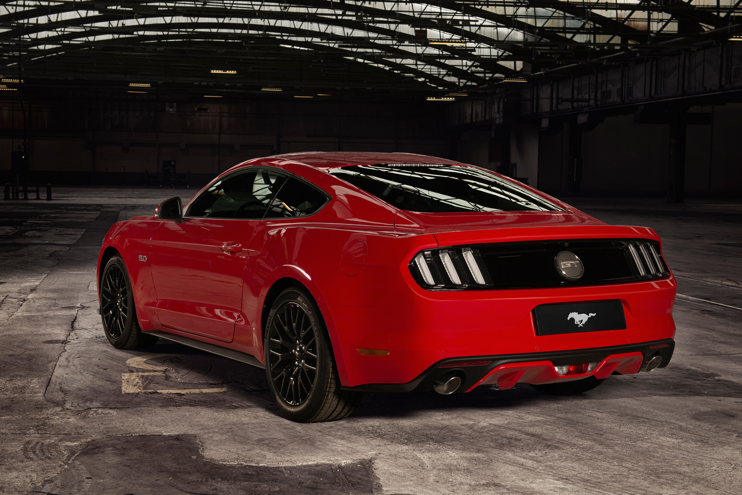 ford mustang 5 0 v8 gt review. Black Bedroom Furniture Sets. Home Design Ideas