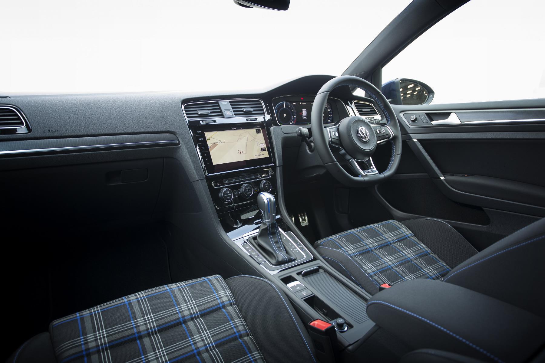 Volkswagen Golf Gte Advance 1 4 Tsi Review Plug In Hybrid