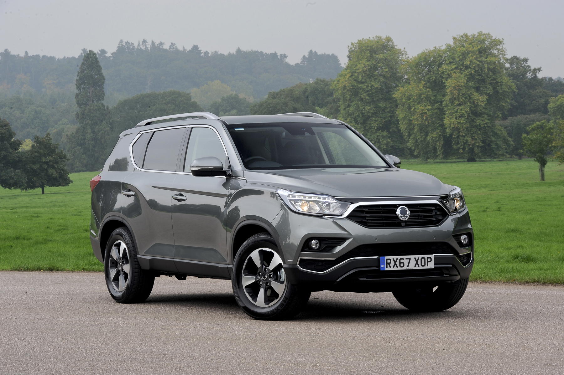ssangyong rexton ex auto 7 seat review. Black Bedroom Furniture Sets. Home Design Ideas