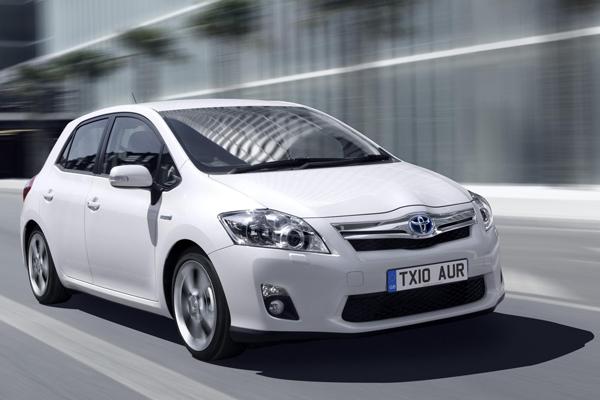 Toyota Auris Hybrid Review 2010