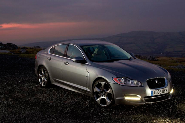 Jaguar xf 2011 review