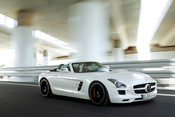 Superieur Ultimate Sports Car Mercedes SLS AMG Roadster Review 2011