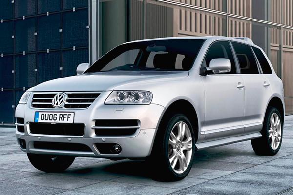 VW Touareg 4.2 TDi Altitude review 2011