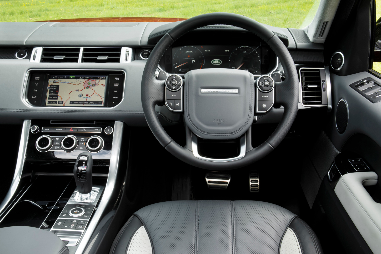 range rover sport review fabulous suv. Black Bedroom Furniture Sets. Home Design Ideas
