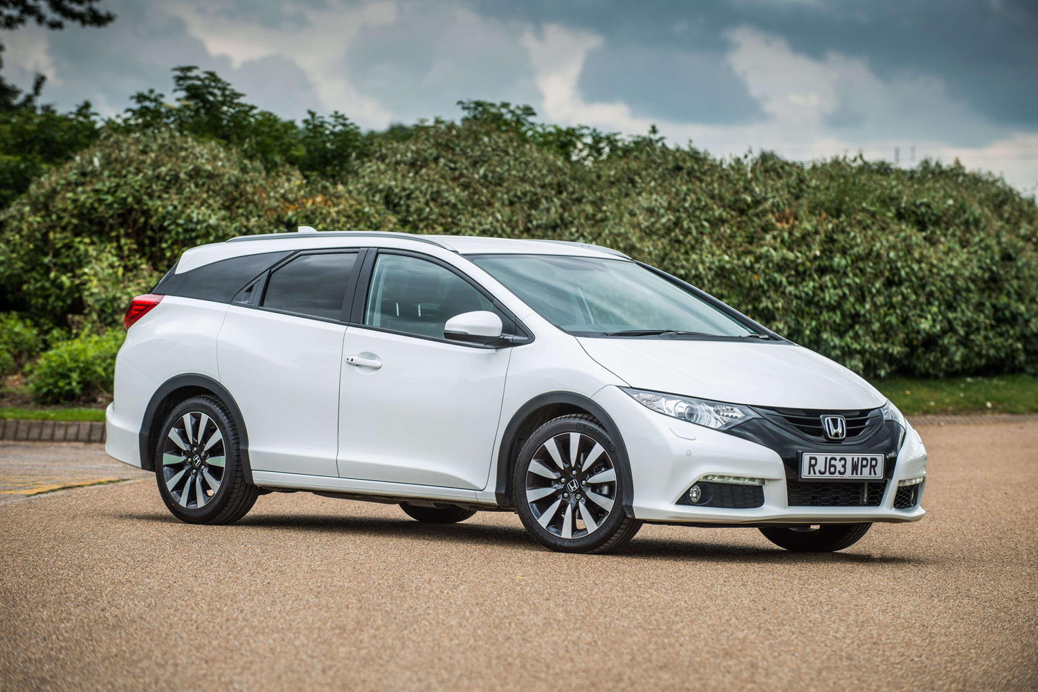 Honda Civic Tourer Review 2015