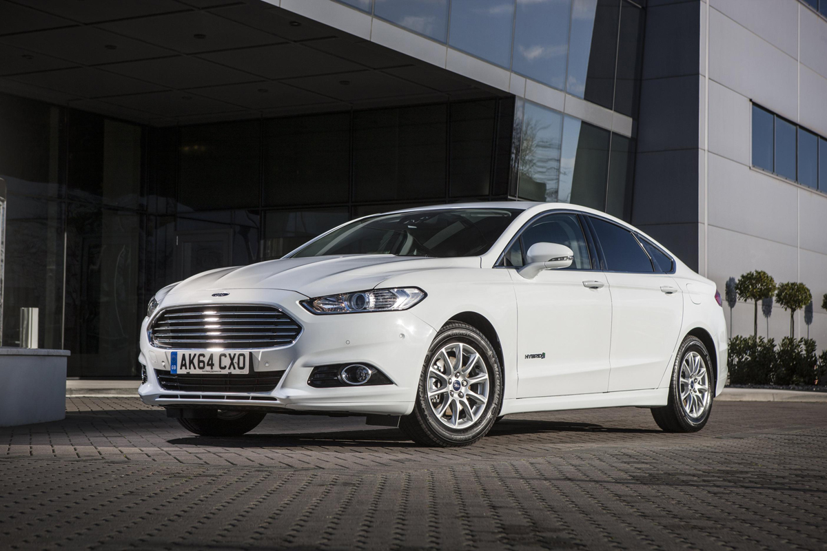 Ford Mondeo Hybrid Review 2015