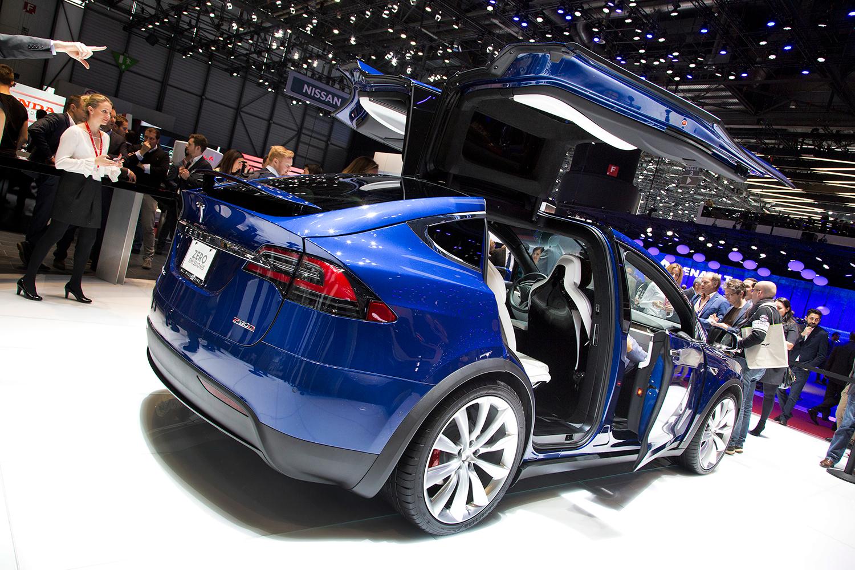 Tesla model x90d