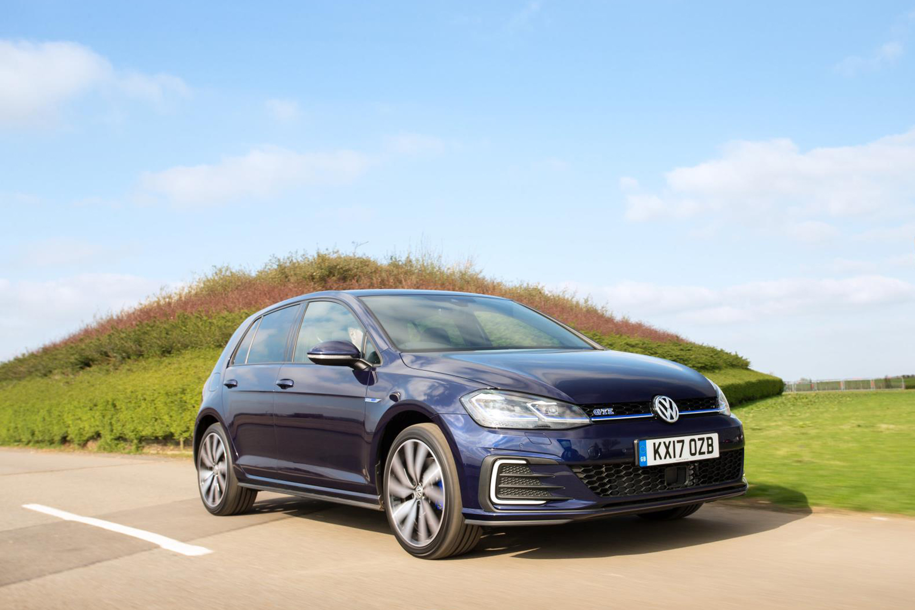 volkswagen golf gte advance 1 4 tsi review plug in hybrid. Black Bedroom Furniture Sets. Home Design Ideas