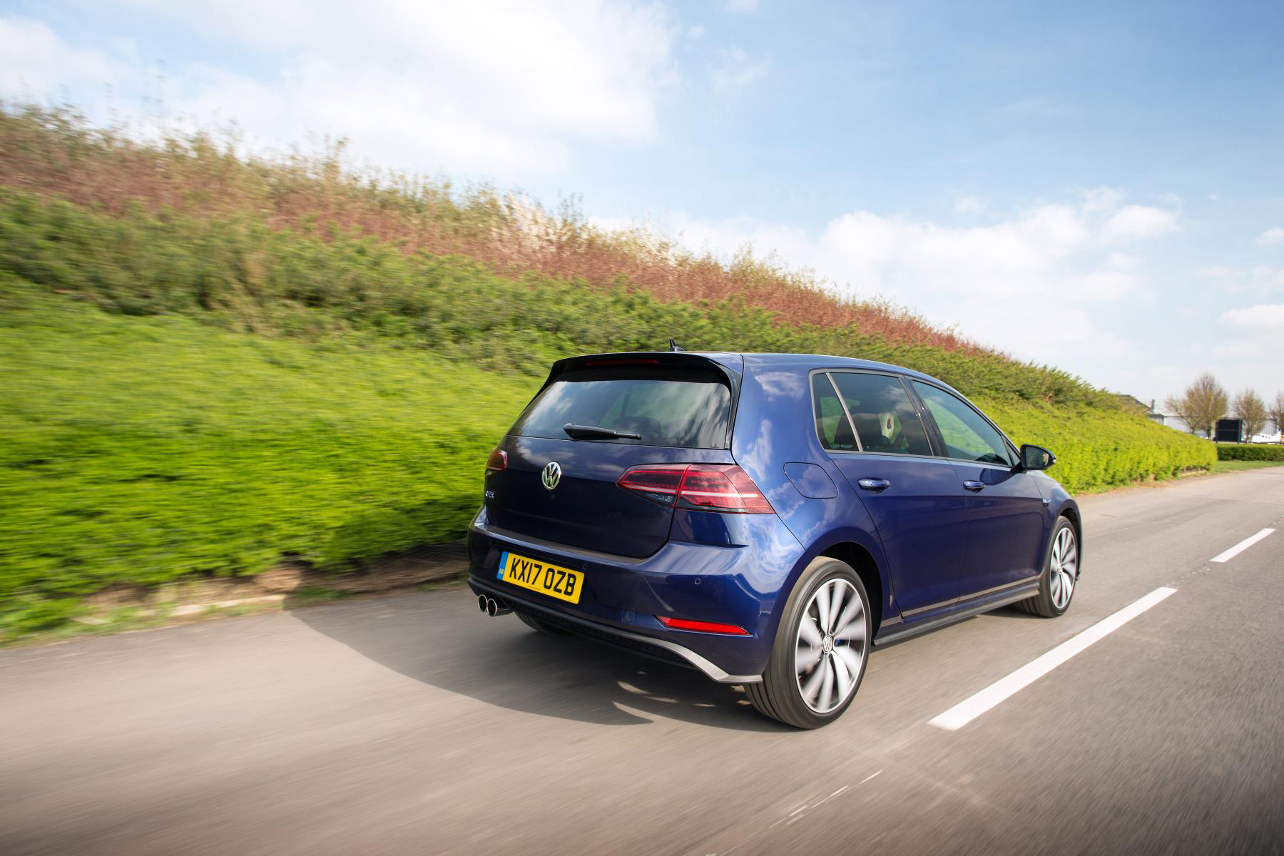 Volkswagen Golf Gte Advance 1 4 Tsi Review Plug In Hybrid
