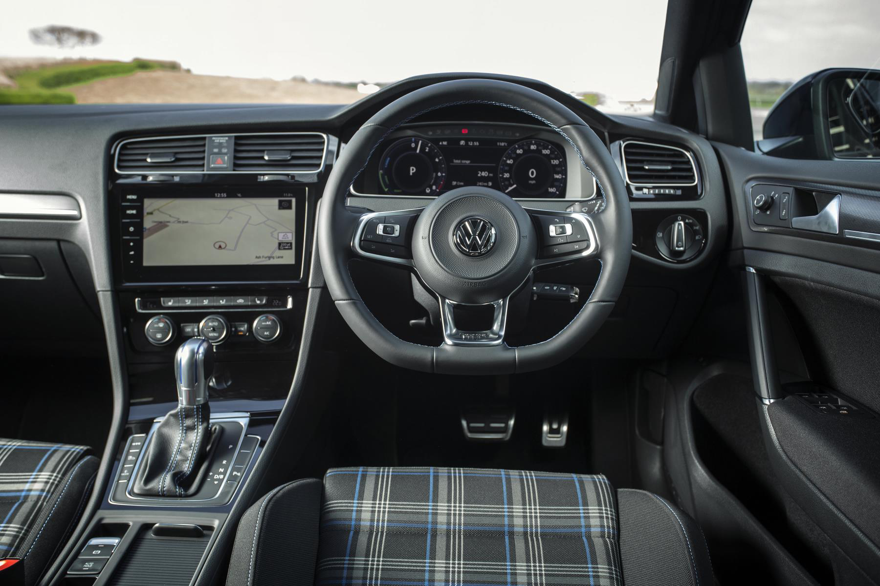 volkswagen golf gte advance 1 4 tsi review plug in hybrid. Black Bedroom Furniture Sets. Home Design Ideas